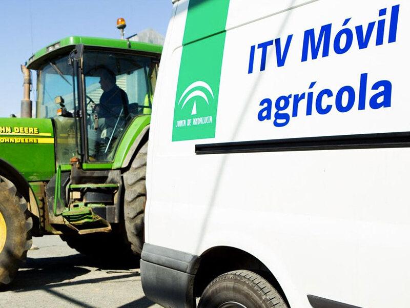 Compromiso de reforzar las ITVs móviles para que los vehículos agrícolas puedan tener al día sus revisiones al comienzo de la campaña