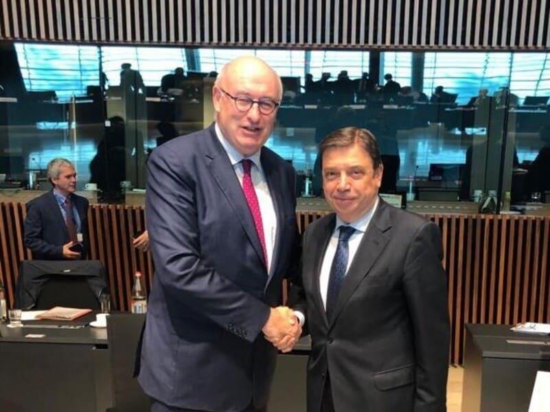 Bruselas accede a activar el almacenamiento privado del aceite